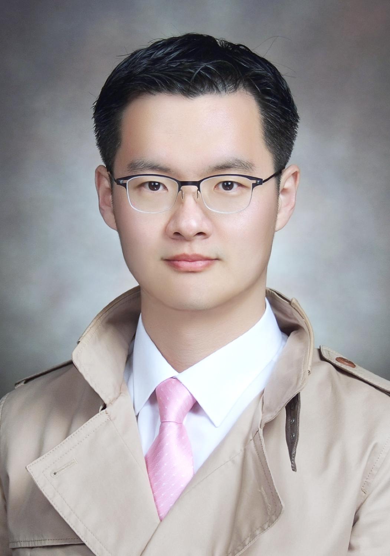 KIM JUN YOUNG 선생님 사진