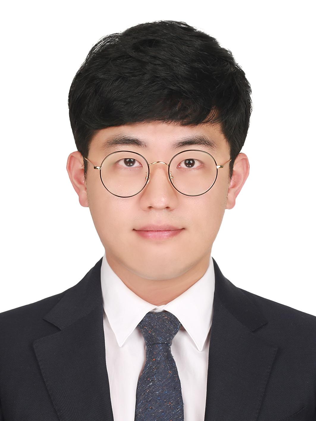 박상진 선생님 사진