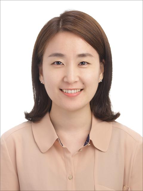 Kwon Jung-Eun 선생님 사진