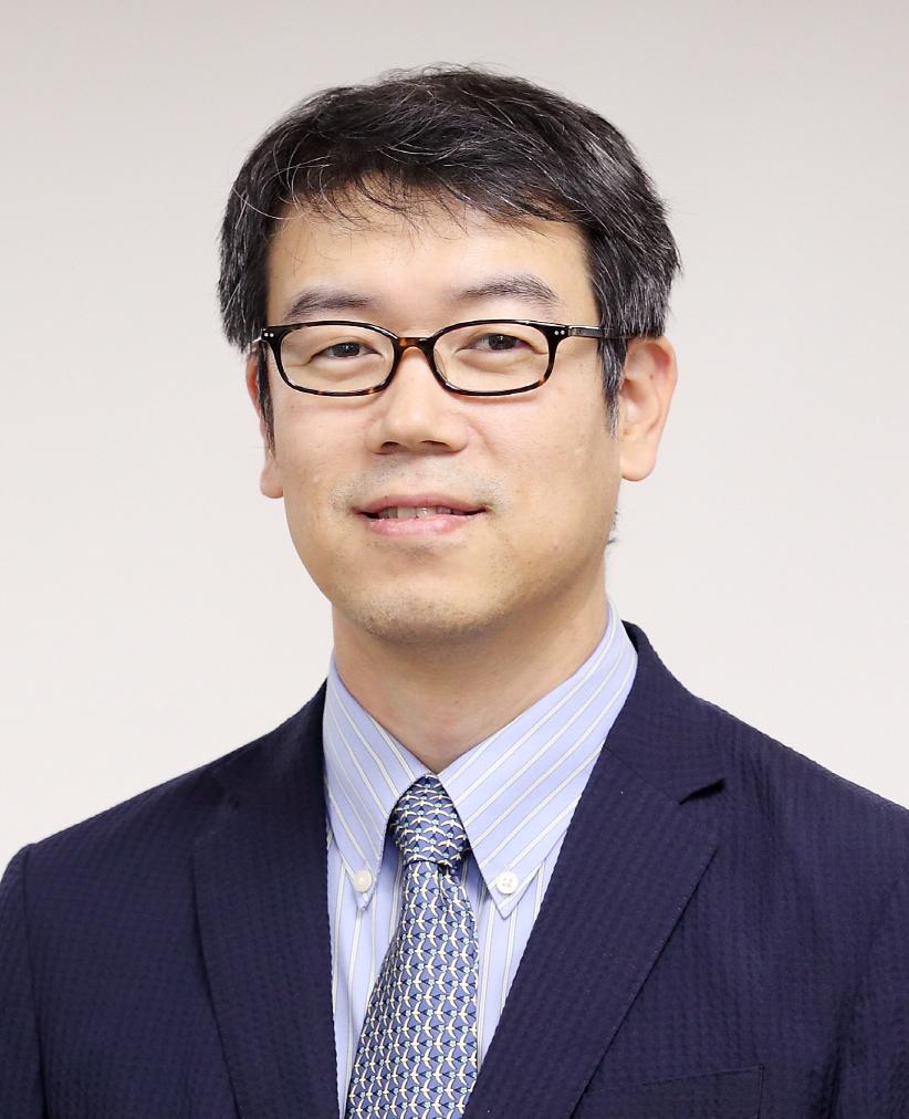 Lee Kyu-yup 선생님 사진