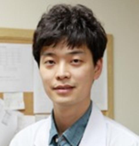 윤정현 선생님 사진