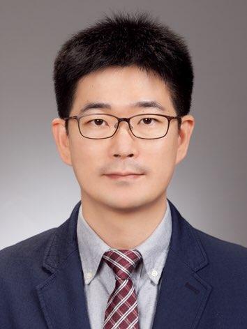Lee Sang-yub 선생님 사진